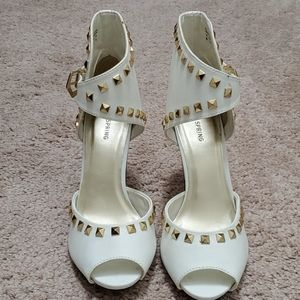 NWOT Sexy Heels with Gold Stones